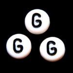 Letterkraal, G, plat rond, acryl, 7x4mm, Wit/Zwart, 100 st