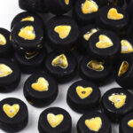 Letterkraal, hartje, plat rond, acryl, 7x4mm, Zwart/Goud, 50 st