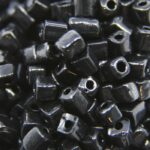 Rocailles van glas, cube, 3-7mm, Zwart, 25 gr
