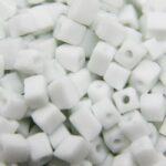 Rocailles van glas, cube, 3-7mm, Wit, 25 gr