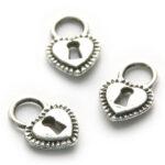 Hartvormige bewerkte metalen slothanger/bedel, 20 st