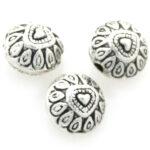 Afgeplatte ronde kraal, hartjes, metal coated, 10mm, Zilver, 25