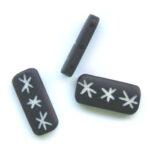 Bone bead, rechthoek, handgesneden sterren, 26x11mm, Zwart, 10 s