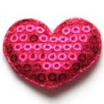 Hartje, stof met opgenaaide pailletten, 33x30mm, Roze, 25 st