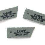 Leren hanger, Sweet love, 45x9mm, Grijs, 5 st