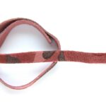 Plat leer voor armband, 9mm x 38cm, Bordeaux (army vlekken), 1 s